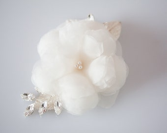 Wedding Hair Accessory, Bridal Hair comb, Crystal Headpiece, Silk Flower Hair comb - Soft Petals