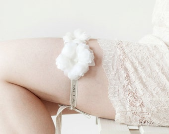 Bridal Garter, Wedding Garter, Rustic Flower, Floral Garter - The Lovelies