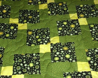 Bold Green & Black Disappearing 9-Patch Quilt