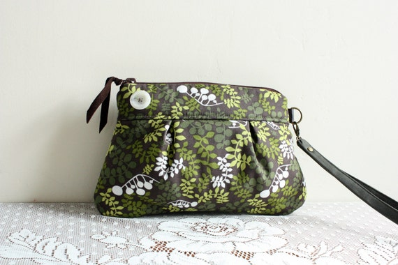 Pleated Wristlet/ Pouch/ Clutch in Fern cotton print --Ready to Ship--
