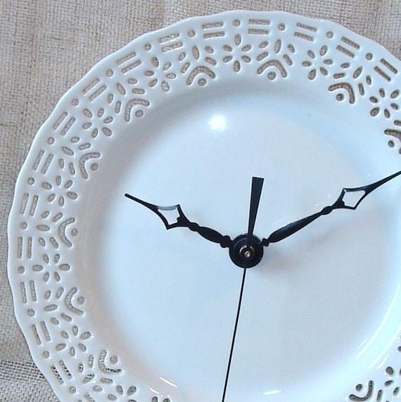 Kleine Spitzen weißen Wanduhr Porzellan-Teller-Uhr