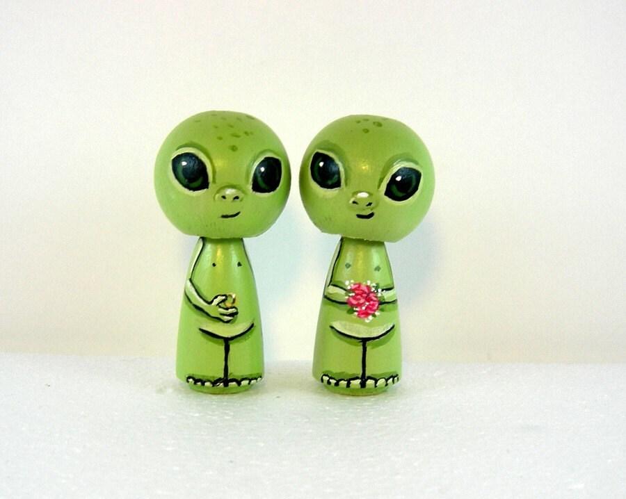 Vintage Alien Cake Topper
