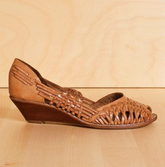 Vintage Connie peep-toe huarache leather wedge sandals. Size 7.