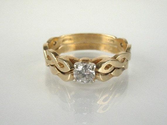 Stylish Vintage Diamond Engagement Ring and Wedding Ring Bridal Set - 0.25 Carat