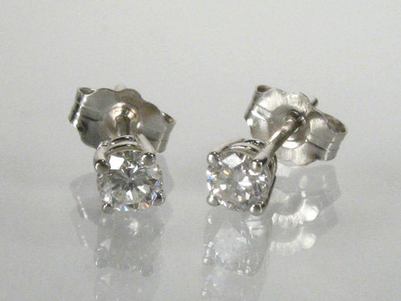 Diamond Ear Studs - 0.30 Carats Total Weight - 3.2 - 3.3 mm - 14K White Gold