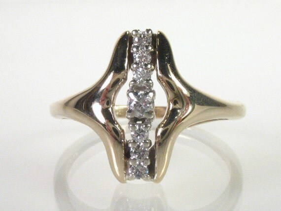Vintage Diamond Cocktail Ring - 0.16 Carats