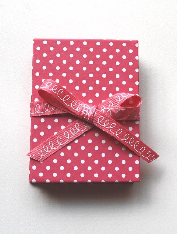 ON SALE Brag Book  - Photo album -  Accordion - Mini wallet size  - Hot pink with white polka dots