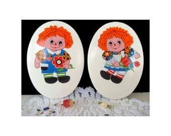 RAGGEDY ANN and ANDY * Vintage Wall Plaques * Picture Tiles With Boxes * Child Decor