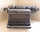 50% OFF vintage 1940s Royal KMM typewriter with 3 new ribbons - SALE