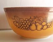 vintage Pyrex bowl Old Orchard