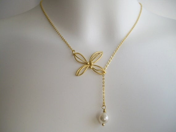 Elegant wire flower and pearl lariat in gold (N145)