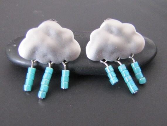 Clouds in the sky post Earrings in white gold (EW297)