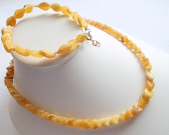 Cute Natural Butterscotch Baltic Amber Leaves Beads Necklace and Bracelet 2 Piece Set