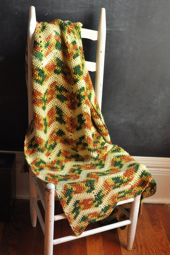 Vintage Afghan Blanket Verigated Zig Zag Stripe 70s colors