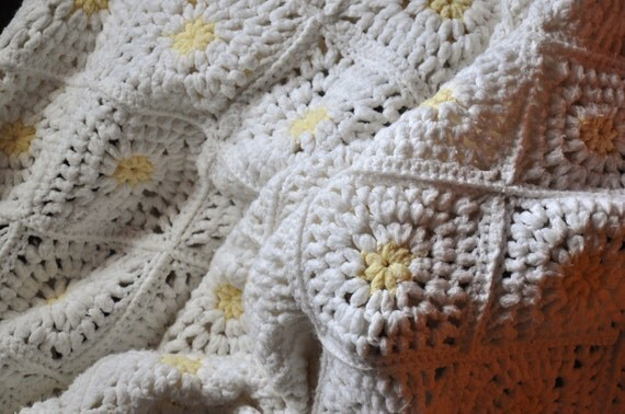 Vintage 70s Afghan Blanket White with Yellow Accents