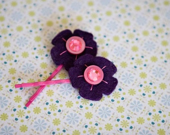 Puprle and pink felt flower hair pins