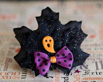 Ghostly Halloween hair clip