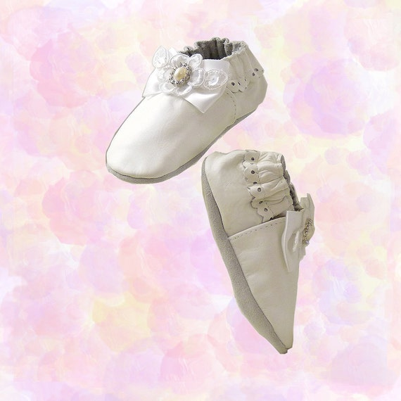 HOLD for Grace  Baby Wedding Shoes Booties NEW Robeez // Size 12 to 18 Months // Embellished with Rhinestones Pearls Lace // White Leather