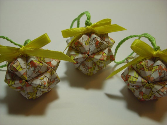 This is Custom Order for vonne1 - Small Origami Kusudama - Modular Ball - Christmas Ornament - Home Decor - Centerpiece
