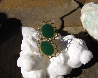 Vintage  Green Jade  Lucite Gold  Floral Design Earrings Mid- Century Green Earrings
