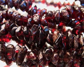 Vintage  Red Garnet Necklace /  Mid Century Passion Red Garnet Chip Beads