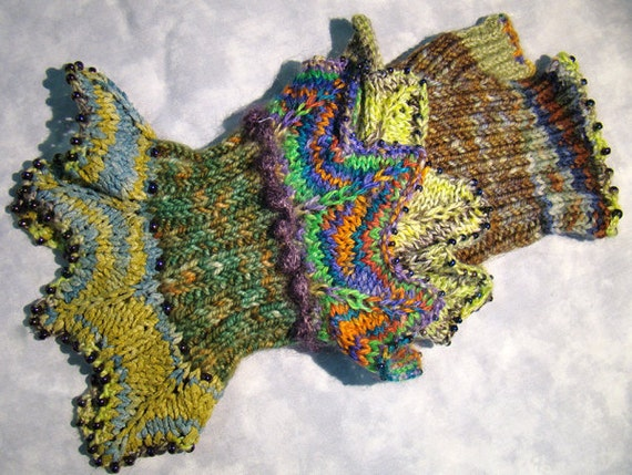 Knitting Pattern Fingerless Gloves Hand Warmers Dragon Paws