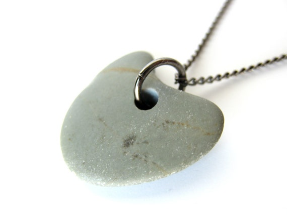 Natural stone heart necklace - valentine's day jewelry - Greenheart