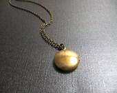 Gold Brass Vintage Round Locket - Pendant - Necklace - Keepsake Jewelry