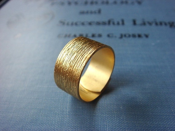 ON SALE - Gorgeous Gold Brass - Adjustable Ring - Fashion Hand Accessories
