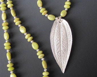 30% off - Vesuvianite Princess Flower Leaf Necklace