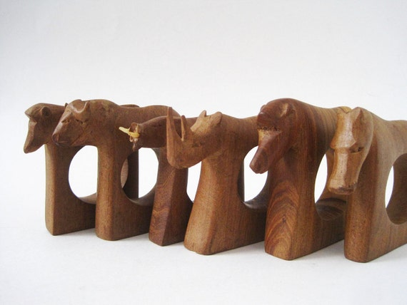 Vintage Set of 6 African Animals Wood Napkin Rings