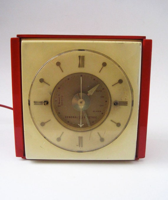 Vintage 40s 50s Art Deco Red General Electric Clock