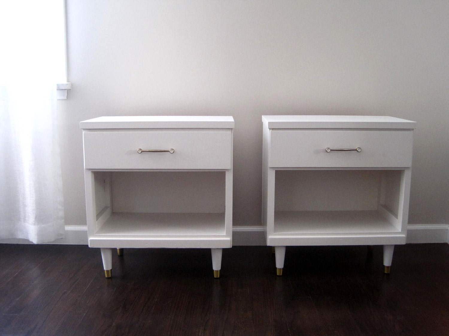 Make A Modern Side Table: Mid Century Modern White Nightstand Side Tables