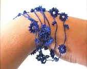 Delicate Flower Necklace - Navy Blue