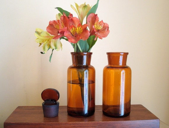Vintage amber lab or apothecary bottle set, tab tops