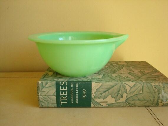 McKee Jadite vintage batter bowl