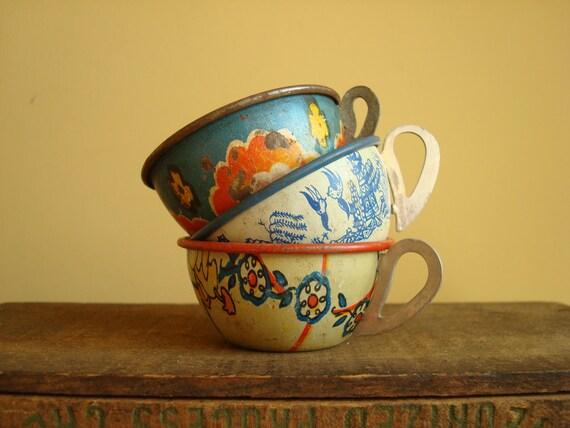 Tin toy teacups, Ohio Art set of 3, vintage collectibles