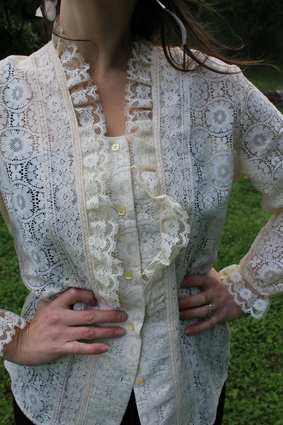 Lady in Lace - Pretty Ruffled Lace Vintage Tumbleweeds Blouse Overshirt L