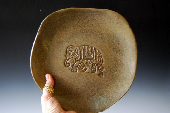 Handmade Ceramic plate moss green Organic shaped Handmade Tableware dinner plates Elephant plate with laces