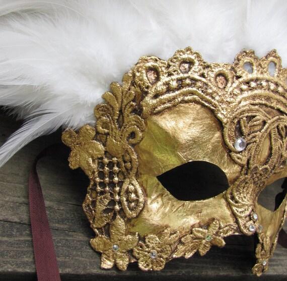 Venetian masquerade mask, gold with white feathers, Vizcondeza