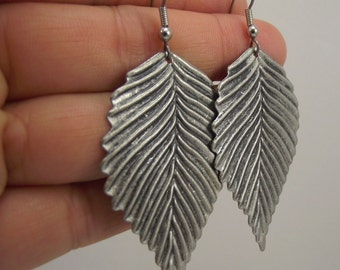 Antiqued Silver Leaf Earrings, Silver Earrings, Gift under 20, Woodland Jewelry, Fall jewelry fashion