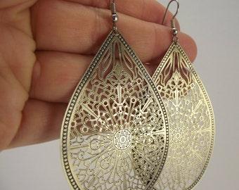 Medium Antiqued Brass Teardrop Earrings, Brass Earrings,  Filigree Earrings, Elegant Gift for her, Gift under 25
