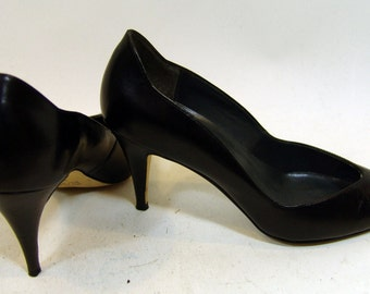 Vintage 9 WEST Leather Heels