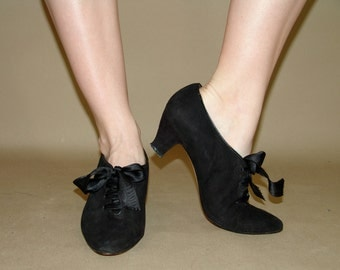 Vintage Black Suede Heels with Bows