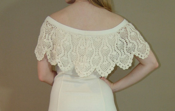 Vintage  white Dress with crochet collar