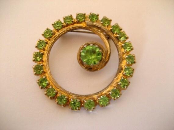 CLOSING SALE Vintage rhinestone circle brooch peridot