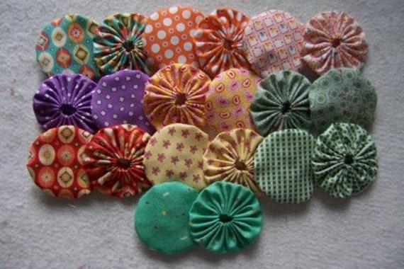 20 Handmade 2 inch Yo Yos YoYo Pieces Quilt Block Scrapbooking Applique Embellishments Suffolks Puffs Rosettes Accessories
