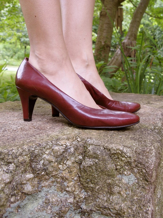 Vintage 70s BALLY mod boho Maroon Oxblood Cordovan Leather Heels Pumps 7M