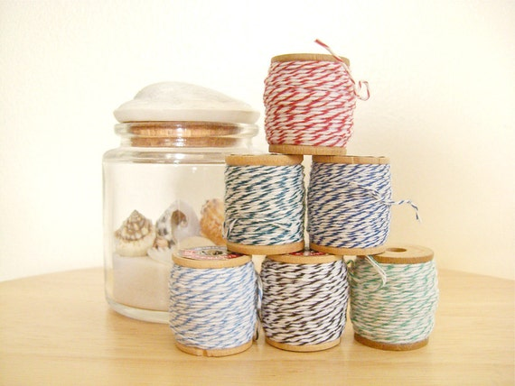 Set of 6 - Bakers Twine in Small Vintage Wooden Spools - 6 colors, 10 yards each