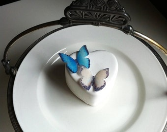 Edible Butterflies for Cakes - Small Blue and Cream - Cupcake Toppers - Food Decoration